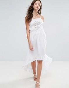 Платье миди на бретельках с отделкой кроше Boohoo - Белый