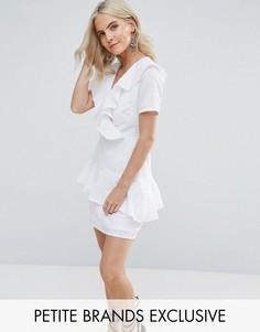 Платье с оборкой Fashion Union Petite - Белый