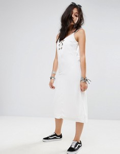 Платье миди с люверсами Glamorous - Белый