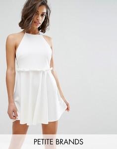 Приталенное платье с оборкой на поясе Missguided Petite - Белый