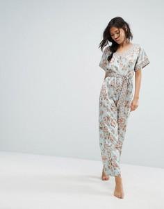 Пижамный комбинезон с цветочным принтом New Look - Мульти