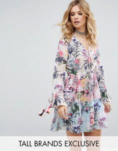 Свободное платье с разноцветным цветочным принтом White Cove Tall - Мульти