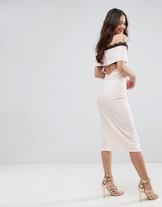 Креповое платье миди с открытыми плечами и кружевом ASOS - Розовый