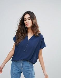 Рубашка с V-образным вырезом и короткими рукавами Soaked In Luxury - Синий