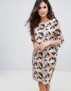 Цельнокройное платье с принтом птиц Soaked In Luxury - Мульти