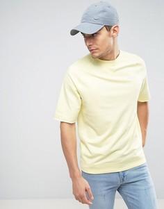 Желтый свитшот с круглым вырезом и короткими рукавами Nike 933571-706 - Желтый