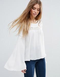 Блузка с рукавами клеш First & I - Кремовый