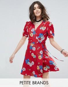 Чайное платье с цветочным принтом и запахом Glamorous Petite - Мульти