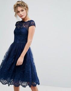 Премиум-платье миди с кружевом и короткими рукавами Chi Chi London - Темно-синий