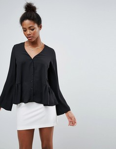 Блузка с V-образным вырезом и оборкой по краю ASOS - Черный