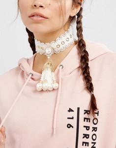 Броское ожерелье-чокер с искусственным жемчугом ASOS - Кремовый