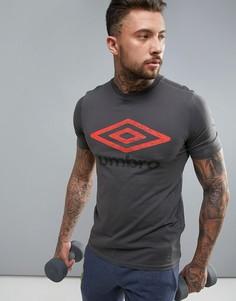 Черная футболка с крупным логотипом Umbro - Черный