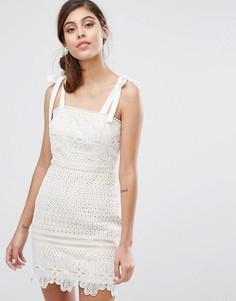 Кружевное платье мини с завязками на плечах Dark Pink - Белый