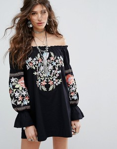 Платье с открытыми плечами и вышивкой Free People - Мульти
