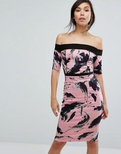 Платье-футляр с открытыми плечами и принтом Vesper - Розовый