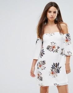 Платье с цветочным принтом и открытыми плечами Parisian - Белый
