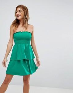 Сарафан мини с открытыми плечами и оборкой ASOS - Зеленый