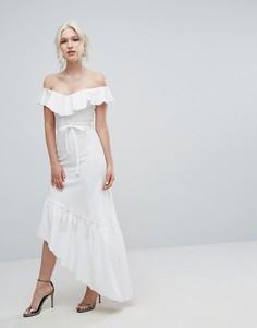 Платье с оборкой и асимметричным подолом Club L - Белый