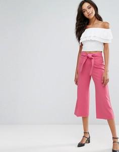 Укороченные брюки с поясом Miss Selfridge - Розовый