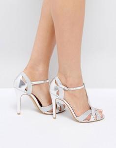 Серебристые босоножки на каблуке с Т-образным ремешком True Decadence - Серебряный