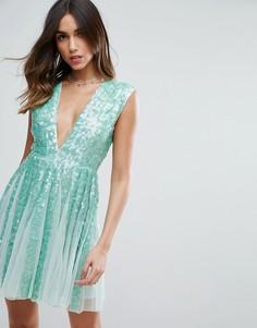 Приталенное платье мини мятного цвета со свободной юбкой и отделкой пайетками ASOS SALON - Зеленый