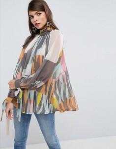 Свободная блузка с высоким воротником и абстрактным принтом ASOS - Мульти
