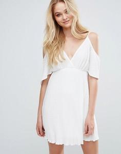 Плиссированное платье с открытыми плечами Love - Кремовый