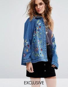 Свободная джинсовая куртка с цветочной вышивкой Sacred Hawk - Синий