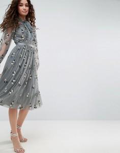 Платье с завязкой, длинными рукавами и цветочной отделкой Needle & Thread - Синий