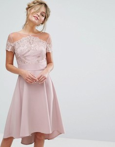 Кружевное платье миди с вышивкой и атласной юбкой Chi Chi London - Фиолетовый