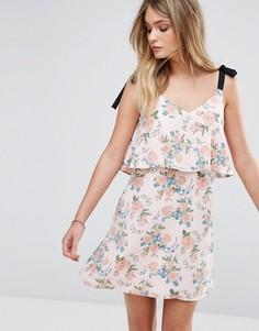 Платье с цветочным принтом и завязками на плечах Miss Selfridge - Мульти