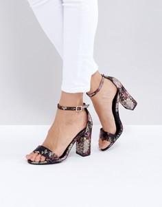 Босоножки на каблуке с узором New Look - Черный