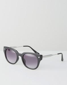 Черные солнцезащитные очки в cтиле ретро Jeepers Peepers - Черный