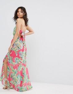 Платье макси с тропическим принтом PrettyLittleThing - Розовый