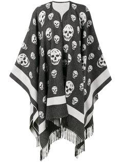 шарф с крупными черепами Alexander McQueen