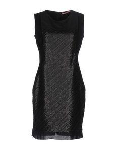Короткое платье Cqfp