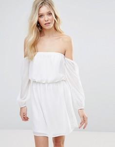 Платье с открытыми плечами Glamorous - Белый