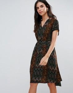 Цельнокройное платье с поясом Vero Moda - Черный