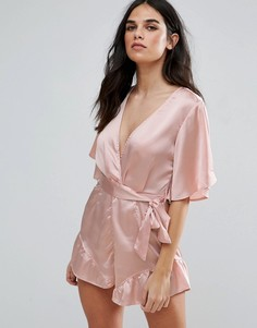 Ромпер с поясом, короткими рукавами и оборкой Love & Other Things - Розовый
