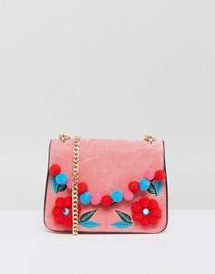 Розовая сумка через плечо с цветочным помпоном Skinnydip - Розовый