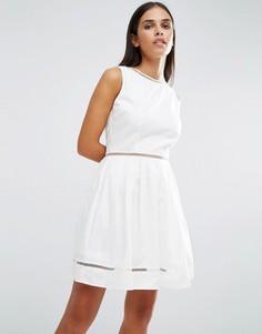 Короткое приталенное платье со вставками AX Paris - Кремовый