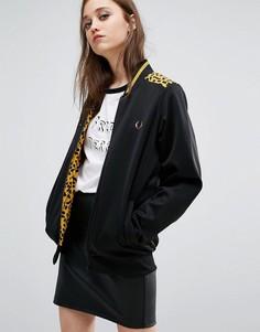Спортивная куртка с леопардовым принтом на кокетке Fred Perry Bella Freud - Черный