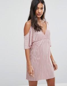 Плиссированное платье с открытыми плечами Love & Other Things - Розовый
