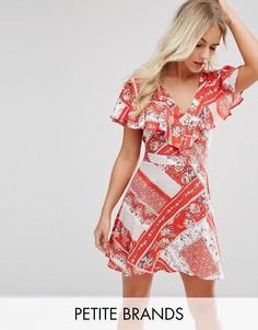 Чайное платье с запахом и цветочным принтом Miss Selfridge Petite - Красный