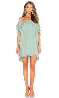 Платье с открытыми плечами и рюшами - krisa