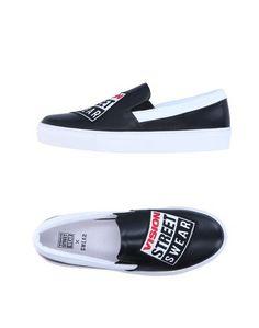 Низкие кеды и кроссовки Vision Street Wear x Swear