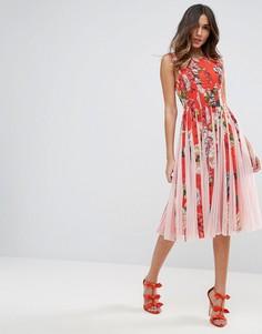 Приталенное платье миди со свободной юбкой, цветочным принтом и вставками из сеточки ASOS - Мульти