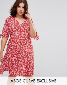 Платье миди с запахом и красным цветочным принтом ASOS CURVE - Мульти
