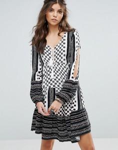 Платье с разрезами на рукавах Somedays Lovin Nightcall - Мульти