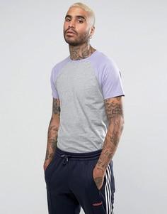 Серая/фиолетовая футболка с контрастными рукавами реглан ASOS - Серый